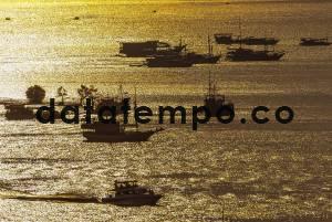 Sejumlah Perahu Berlabuh di Pelabuhan Labuan Bajo